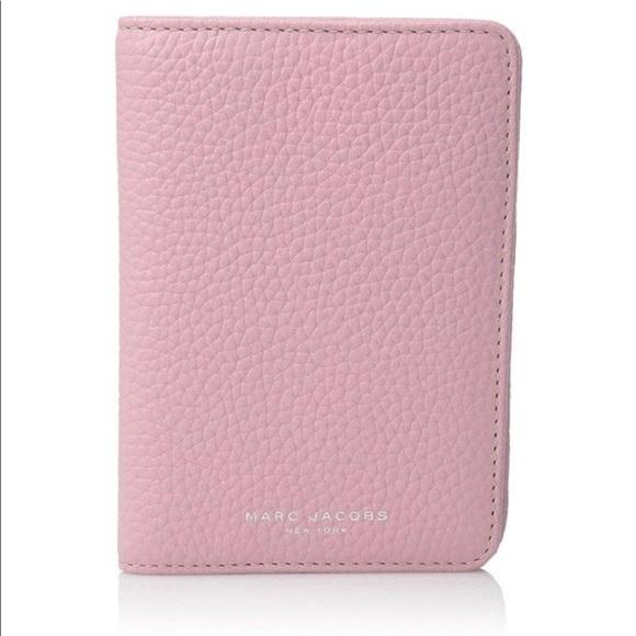 b8b9fd9d18eb New Marc Jacobs Pink Leather Gotham Passport Cover